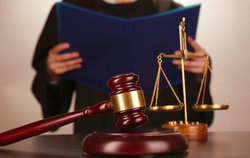 представитель в уголовном процессе только юрист Диаспар