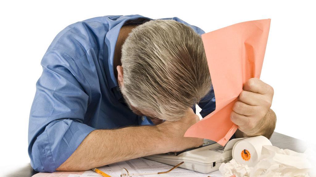 Как признать себя банкротом и списать долги приставы арестовывают счета во всех банках
