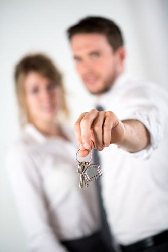 На что обратить внимание при покупке квартиры у юридического лица?
